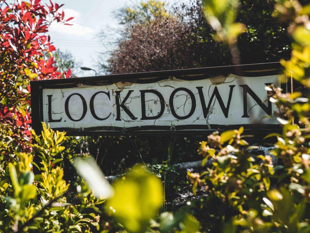 Dieses Bild hat ein leeres Alt-Attribut. Der Dateiname ist Lockdown_unsplash.com-Matt-Seymour-1024x769.jpg
